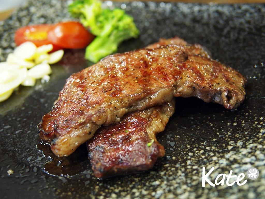 紅牛原味炭烤牛排(2013.5.5):KT057963.JPG