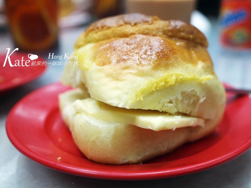 【香港】灣仔。金鳳茶餐廳。好吃菠蘿油與奶茶:title.JPG