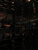A CUT牛排館:奇特的葡萄酒隔牆