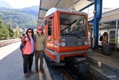 瑞士策馬特小鎮之旅:登山火車前留影!
