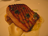 A CUT牛排館:鮭魚排