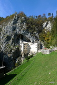 SLOVENIA斯洛凡尼亞POSTOJNSKA JAMA及GRAD古堡:Predjama城堡景致