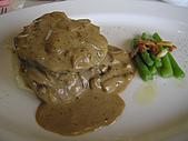 君悅寶艾早午餐:煎炒牛排配蒜味洋芋及炒四季豆