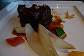 精緻商業套餐:溫燉酒香牛小排襯糖漬檸檬及鮮蔬