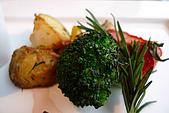 精緻商業套餐:肋眼牛排配菜