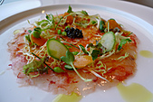 精緻商業套餐:檸香生胭脂蝦薄片襯有機生菜及魚子醬