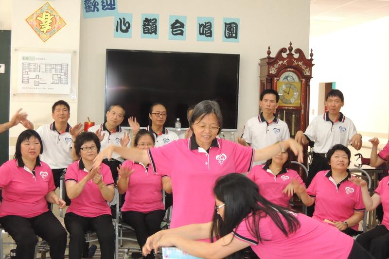 DSCN5456.jpg - 1040627心韻合唱團林口夏雨惟思長期照護中心關懷演唱會