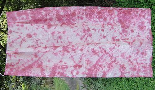 植物染(以膠蟲為染料)絲巾