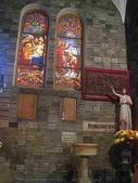 越南胡志民:越南紅教堂內的壁飾
