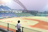 081028 職棒總冠軍賽第三戰in洲際棒球場:其實很高,有點恐怖
