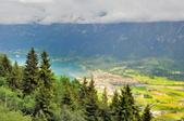 瑞士-哈德庫爾姆:俯望兩湖間的茵特拉肯八.jpg