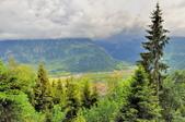 瑞士-哈德庫爾姆:俯望兩湖間的茵特拉肯三十.jpg