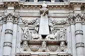 義大利威尼斯-貢多拉和水上巴士之旅:聖斯達艾教堂的雕像二.jpg