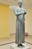 希臘-德爾菲考古博物館:馬車夫的青銅雕像.jpg
