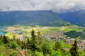 瑞士-哈德庫爾姆:俯望兩湖間的茵特拉肯七.jpg