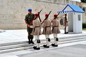 希臘-雅典市區:憲法廣場的交接衛兵三.jpg