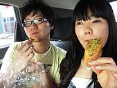 080621 파주 波州:不就是大蒜麵包嘛?吃得狠香的樣子