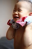 球球一歲四個月:超喜歡脫衣服的