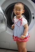 球球一歲四個月:比我高的洗衣機