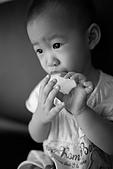 球球一歲六個月:喜歡吃梨子