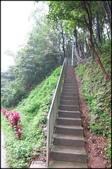 基隆旅遊、情人湖、海興森林步道、七堵車站、紅淡山:碇內尖景觀砲台_111.JPG