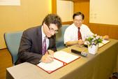 20120924南加大音樂院與本院簽署學術合作書:20120924南加大音樂院與本院簽署學