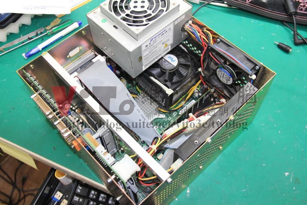 (工業電腦維修)脈衝光控制終端機: