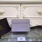 纪梵希 新款斜挎小包 采用进口牛皮   尺寸:23 15 / 配盒子 颜色 : 黑 红 枣 灰:mmexport1449729402400.jpg