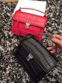 YSL   爆款圣罗兰 专柜同步出货 🐊皮黑红两色现货:mmexport1449715367761.jpg