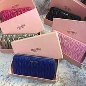 Miumiu    羊皮羊皮  专柜最新款羊皮钱包  💝型号M-6168  长20cm高8cm:mmexport1448348626288.jpg