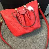 2016   PRADA  女性/🌠手提包  🌠單肩包🌠   精 品 新 潮 流 ~:LV  小号:50709  尺碼:W24*H20*D12   .jpg