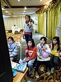 100-01-07 參加智強叔叔公司的尾牙宴:P1040403.jpg
