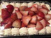 拜訪美食:好市多草莓蛋糕.JPG