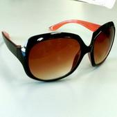 太陽眼鏡:PhotoGrid_1495519661199.jpg